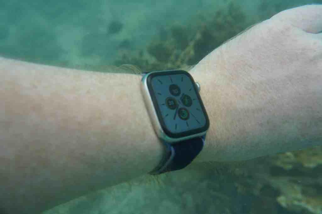 Die Apple Watch Series 5 schlägt sich bei allen Outdoor-Aktivitäten an Land und im Wasser ziemlich gut. Foto: Sascha Tegtmeyer