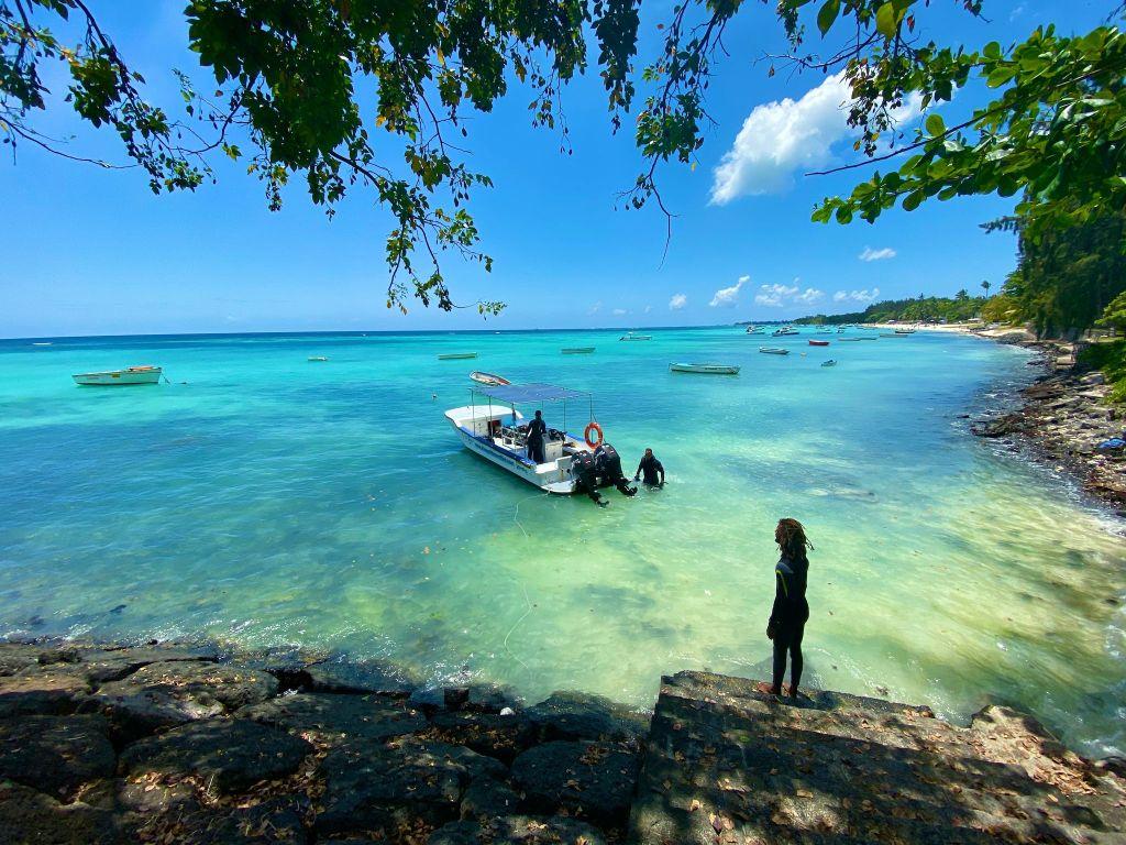 Tauchausflug auf Mauritius: die Tauchplätze rund um die Insel gehören zu den besten Spots im Indischen Ozean. © Sascha Tegtmeyer