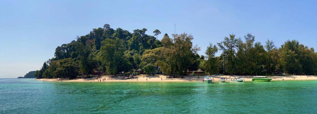 Auf unserem Thailand-Segeltörn geht es zu einigen der schönsten Inseln in der südlichen Andamanensee. Im Bild: Koh Kradan. Foto: Sascha Tegtmeyer