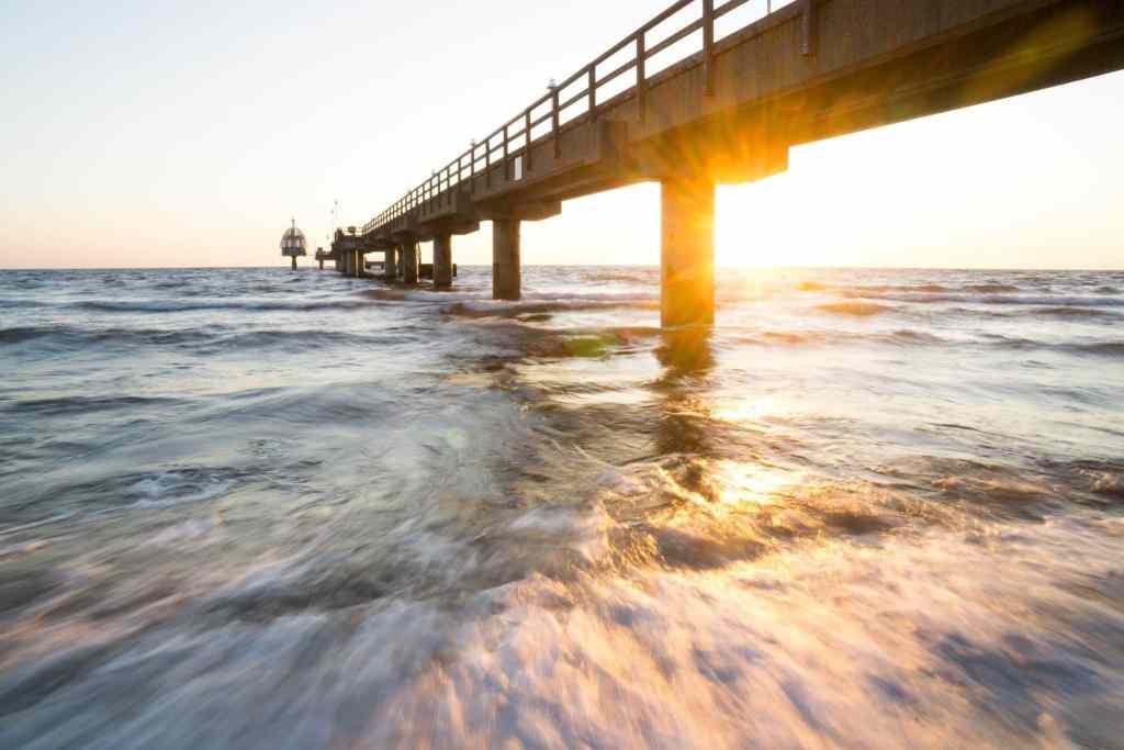 Ferienwohnungen und Ferienhäuser direkt am Meer werden gerne als Geldanlage und als Altersruhesitz genutzt. Foto: Unsplash