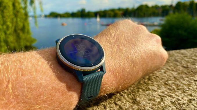 Garmin Venu Test: Ich habe mir die Sport-Smartwatch ausführlich angeschaut. Foto: Sascha Tegtmeyer