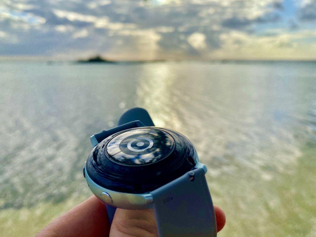 Optischer Herzsensor: Aktuell Sportuhren und Fitness-Smartwatches sollten unbedingt zuverlässig die Herzfrequenz am Handgelenk messen können. Foto: Sascha Tegtmeyer