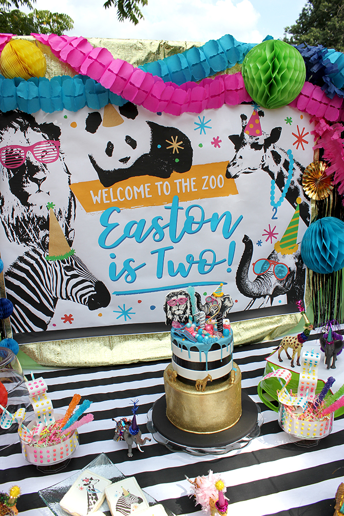 Tablescape, dessert table, Party animal, zoo party, lion, elephant, giraffe, zebra, party, kids party, bubbles, wild animals, bold, birthday, birthday boy, DIY, party decor, panda, party like a panda, pandamonium