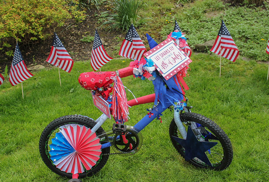 4th of July bike decorations, 4th of July bike decorations for parade, 4th of July bike decorations with free printables, bike decorating ideas for 4th of July, 4th of July, Fourth of July, bike decorating, bicycle decorations, DIY decorations, free printable 4th of July, bike parade, free printables, 4th of July printables, Just Add Confetti