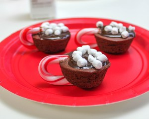 The Easiest Hot Cocoa Brownie Bites