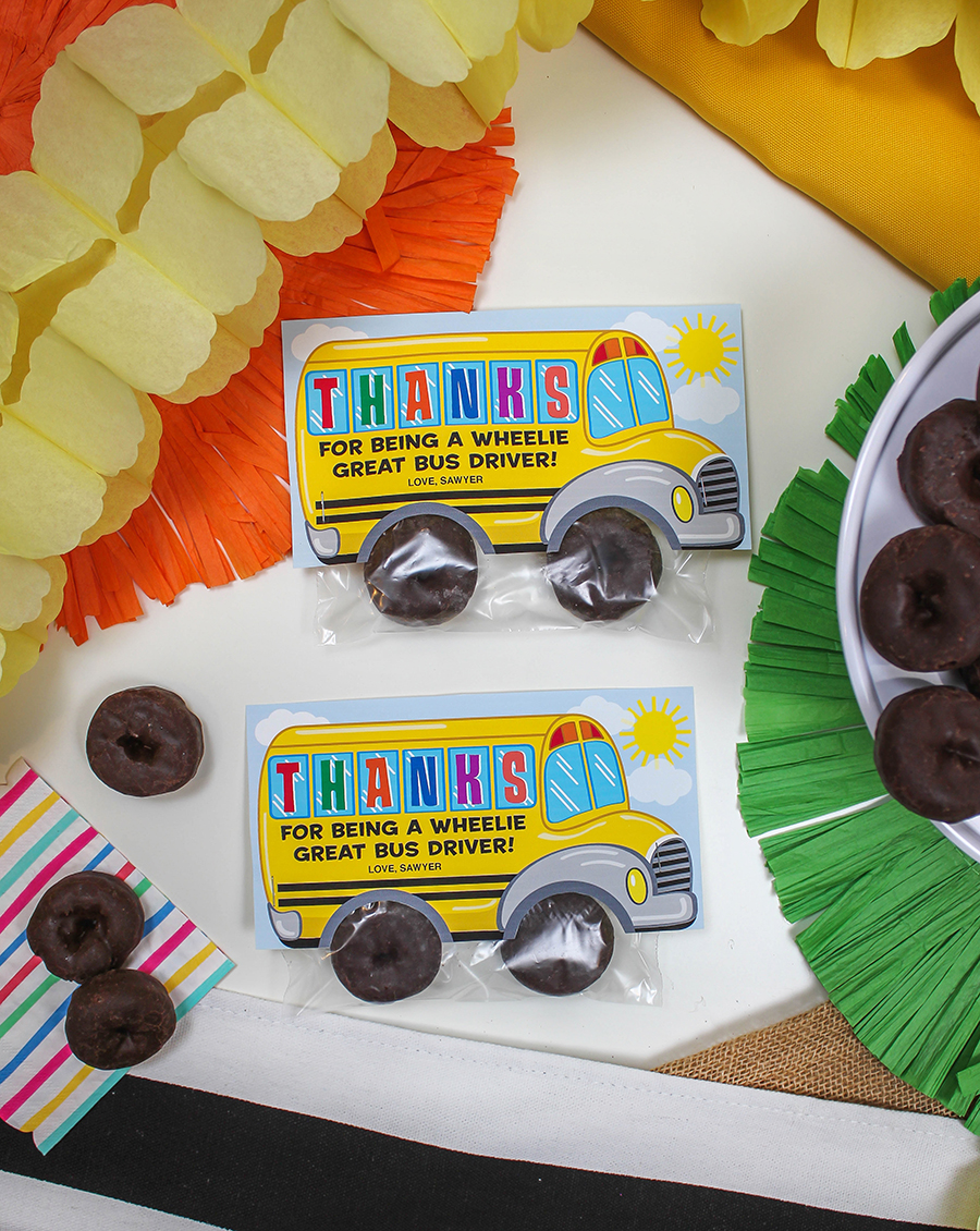 School Bus Donut Bus Driver Gift, school bus printable, school bus donut gift, donut tires, Thanks for being a wheelie great bus driver, bus driver appreciation, bus driver gift idea, school bus, Etsy shop, school bus treat bag topper, Just Add Confetti, printable, gift printable, gift tag printable