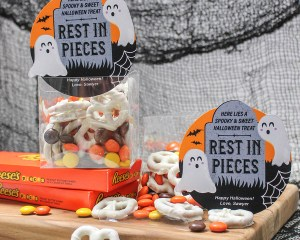 Easy Halloween Candy Gift Idea: Rest in Pieces