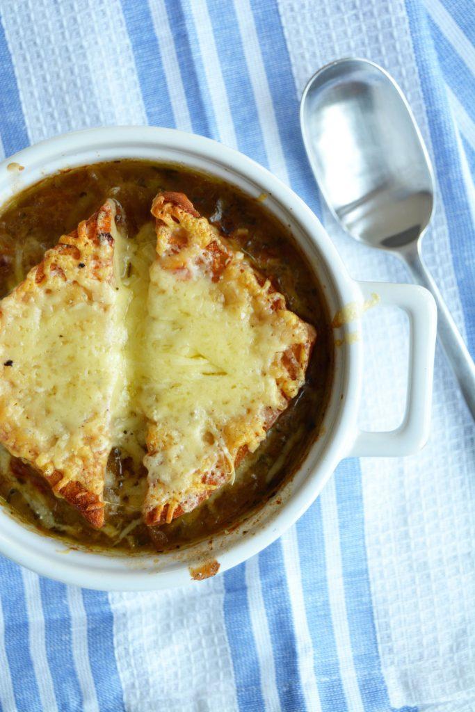 Fransk løksuppe med gruyereost
