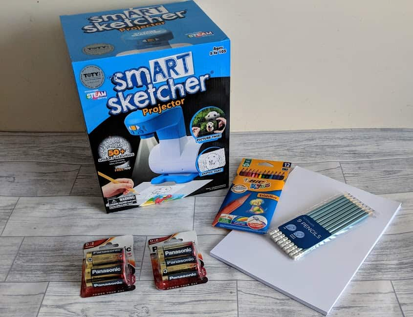 boxed snart sketcher with batteries, paper, pencils and pens