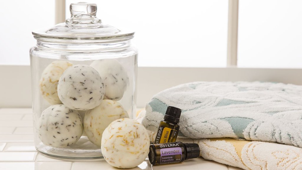 16x9-1152x648-bath-bombs-us-english-web