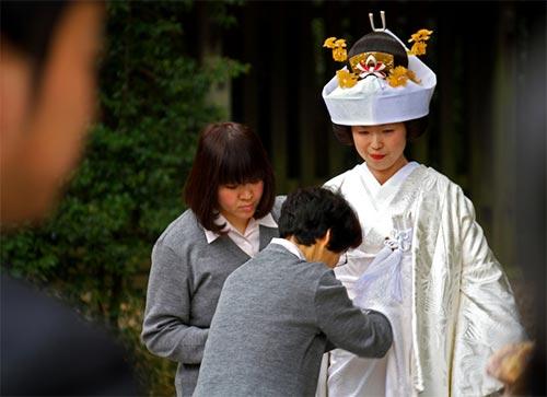 Pregatire mireasa Ceremonie Shinto traditionala 2010