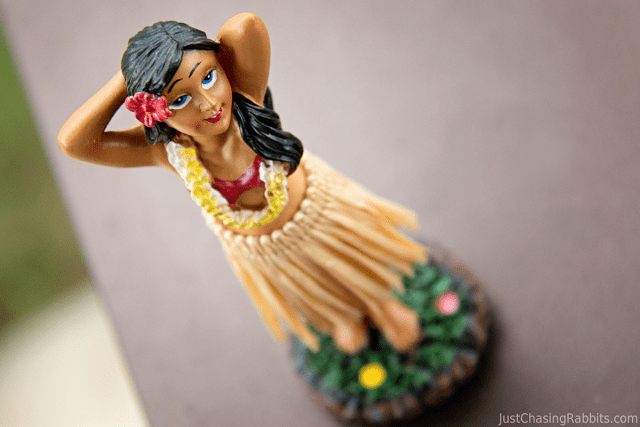 Dashboard Dancing Hula girl Hawaii souvenir