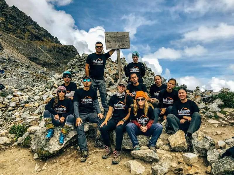 the group trekking to Sakantay