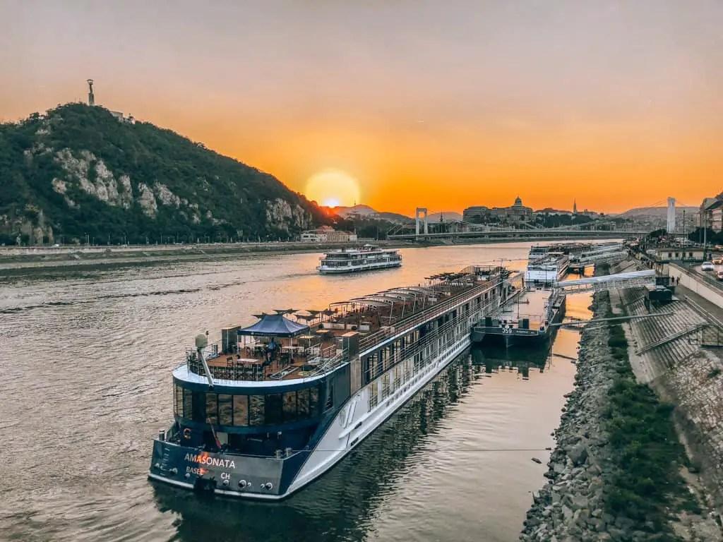 danube river cruises at night