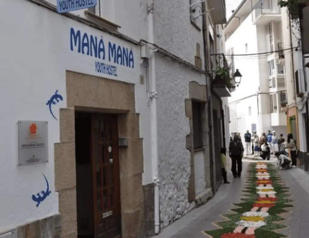 Mana Mana Hostel - Tossa de Mar, Spain
