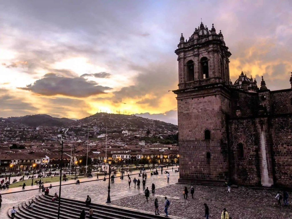 the view of Plaza de Armas in Cusco from Papachos