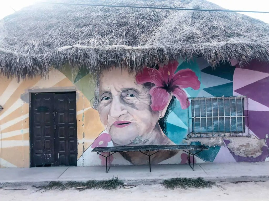 things to do in Holbox: find good street art