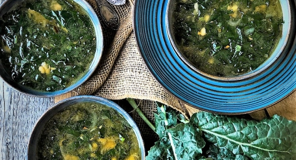 Super Quick Tuscan Kale and White Bean Soup