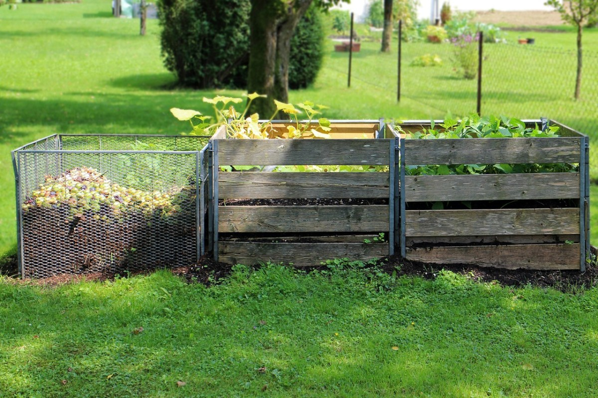 Composting is a great way to help your homestead be more sustainable!
