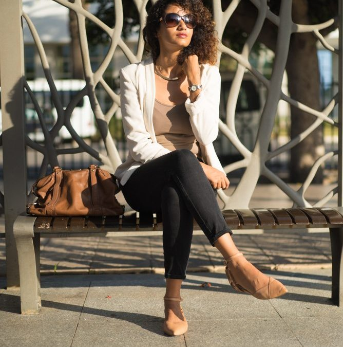 WORKING-GIRL SERIES: How to wear a white blazer?