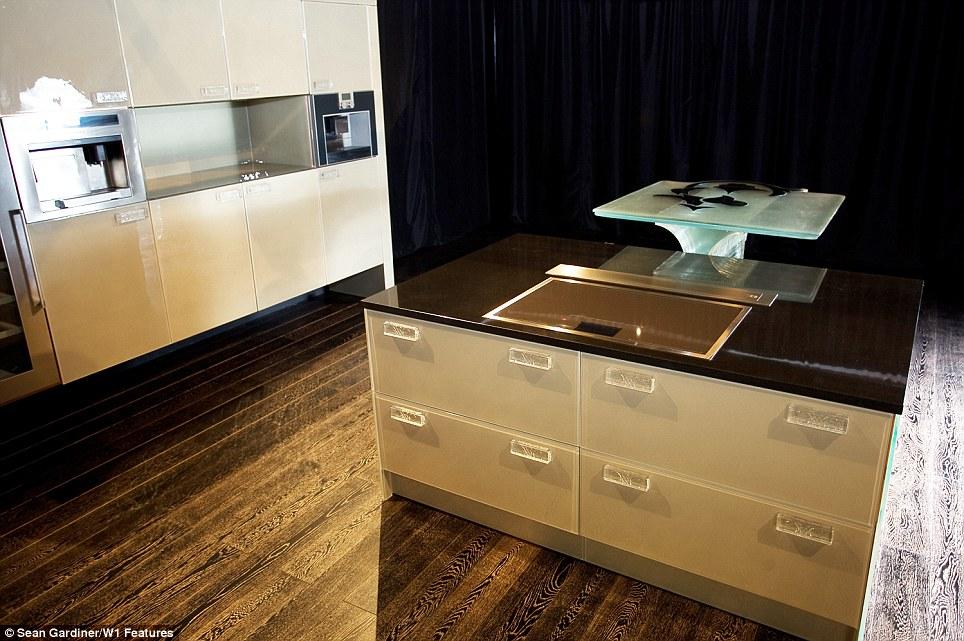 Design Keuken Gadgets : De wereld s eerste million pond keuken just for koks