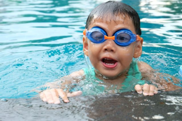 Swim Lessons: Should You Sign Up Your Kids?