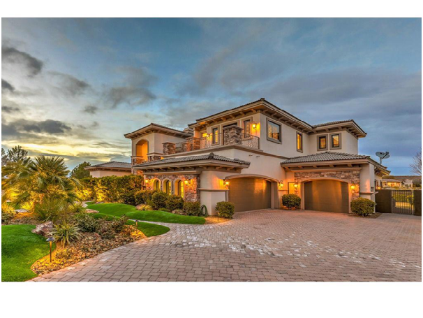Benefits of Living in Luxury Homes