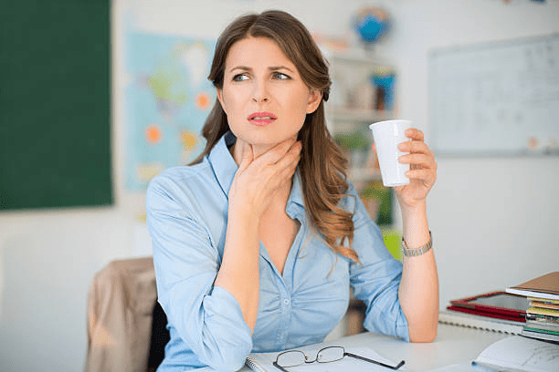 HOW TO DETECT THE CAUSES OF SORE THROAT AND WHEN TO SEEK TREATMENT?