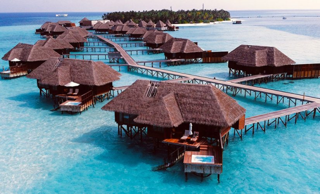 Romantic Maldives Honeymoon Tour Package with 5 star stay with Roaming Routes