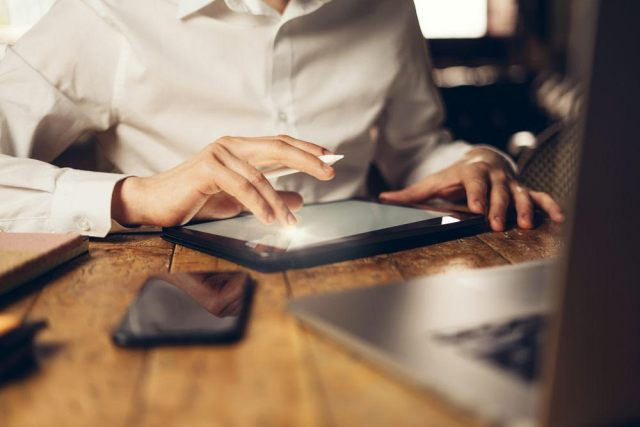 Understanding the Technology of Electronic Signature Online