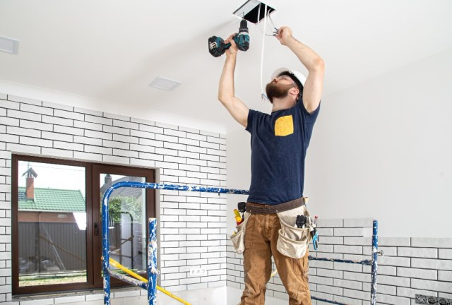 Electrical Contractors for Assisting You in the Electrical Services in Several Properties