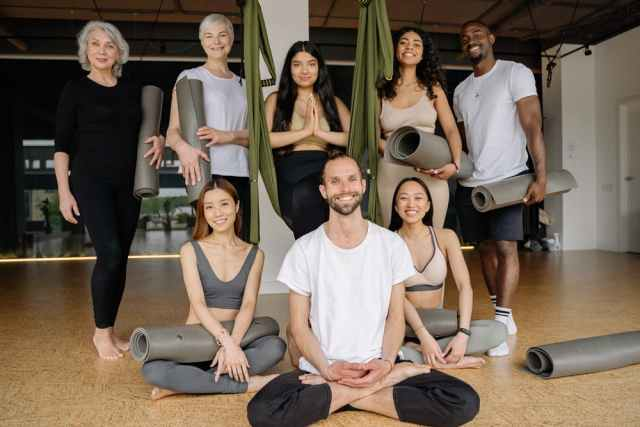 Advantages of Wearing Loose Pants for Your Next Yoga Class