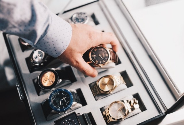 7 Factors To Consider When Choosing The Right Watch