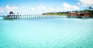 underwater-beauty-island-kalimantan-justgoindonesia-indonesia-travel-maratua-1