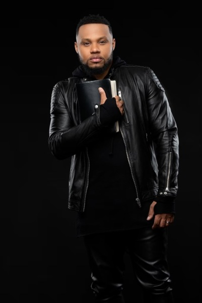 Miracles, signs and wonders happens as Todd Dulaney sings