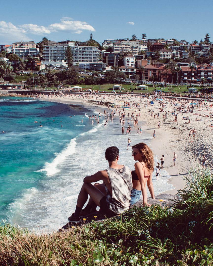 couple overlooking coogee beach