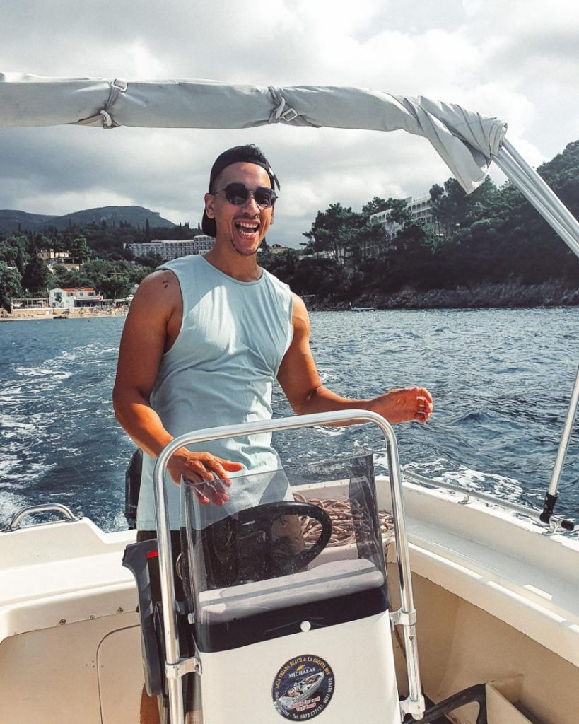 Rent a boat in Paleokastritsa