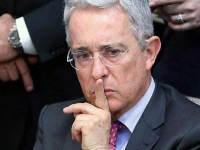 senador abogado álvaro