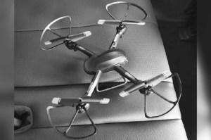 Dron hostiga a defensores