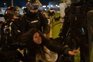 Violencia contra la mujer por parte del ESMAD