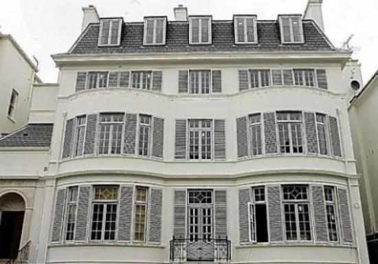 Elena Franchuks Victorian Villa