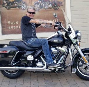 Je fais le saut en moto !