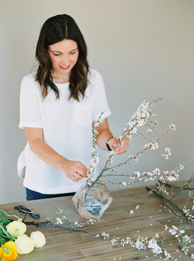 DIY | How to Make a Summer Flower Arrangement with Rebecca Dawn Design | Using Foliage to Create Your Shape | Nanking Cherry Branches // JustineCelina.com