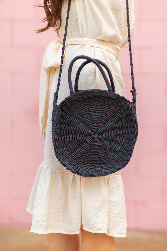 The Accessory Edit | Natural Material Bags | SheIn Black Straw Round Tote Bag | How to Style Round Straw Bags | The Best Straw Bags 2018 // JustineCelina.com