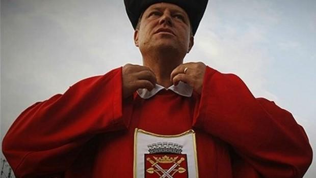 Klaus Werner Iohannis – lăudat fie numele său în vecii vecilor! – și-a făcut un obicei din a-i numi […]