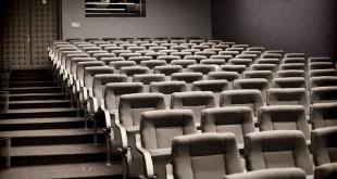 cine y series y películas de notarios