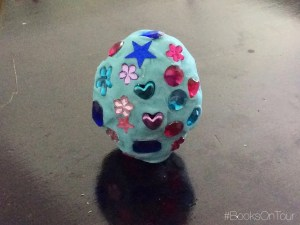 Lizzy's Dragon Craft: How to Make a Dragon Egg
