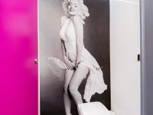 Toilet trailer interior Marilyn Monroe for events and parties