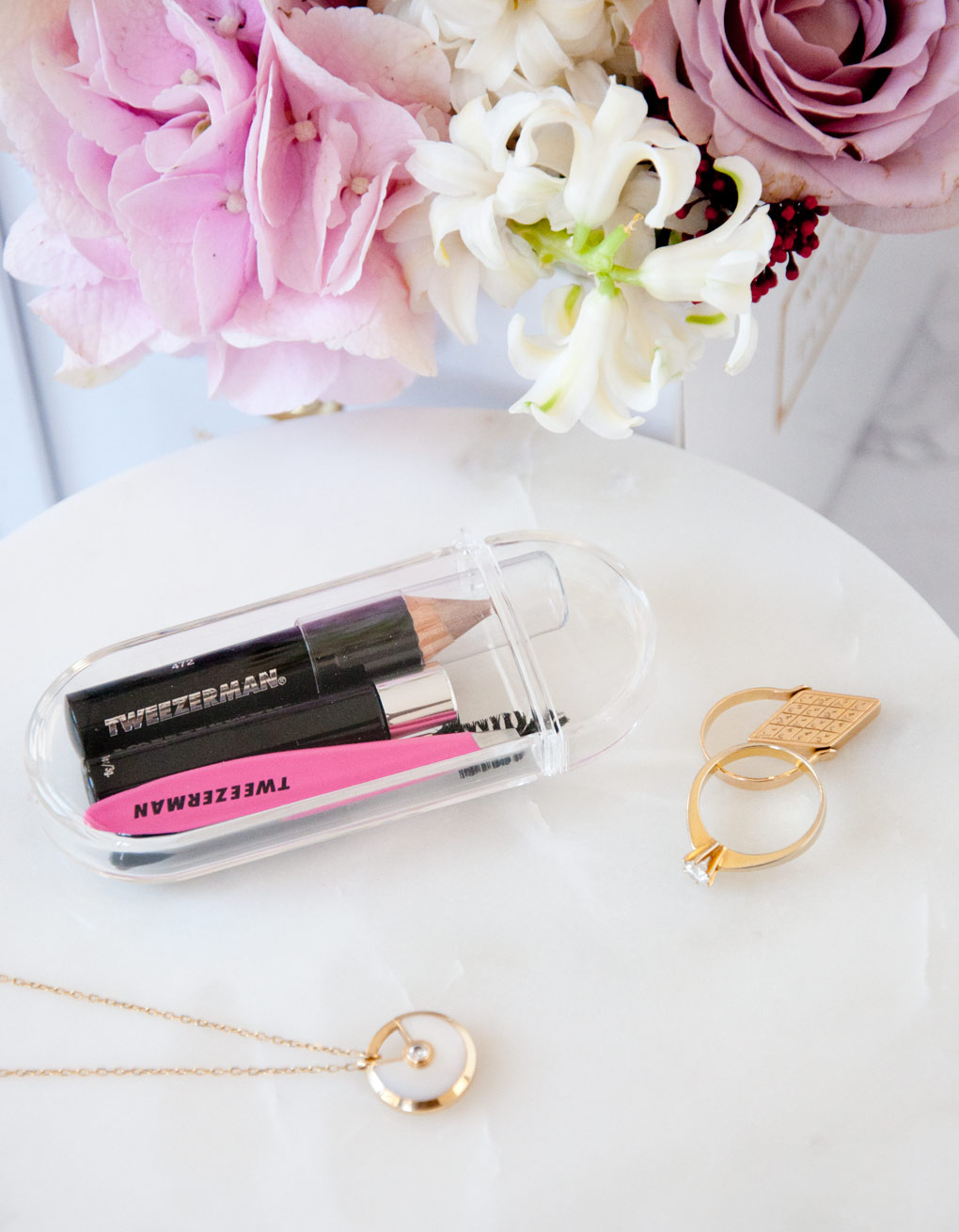 Lyla_Loves_Fashion_Tweezermans_mini_brow_rescue_kit_4526