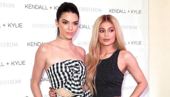 The Kardashians lambast Instagram changes urging followers to turn on notifications